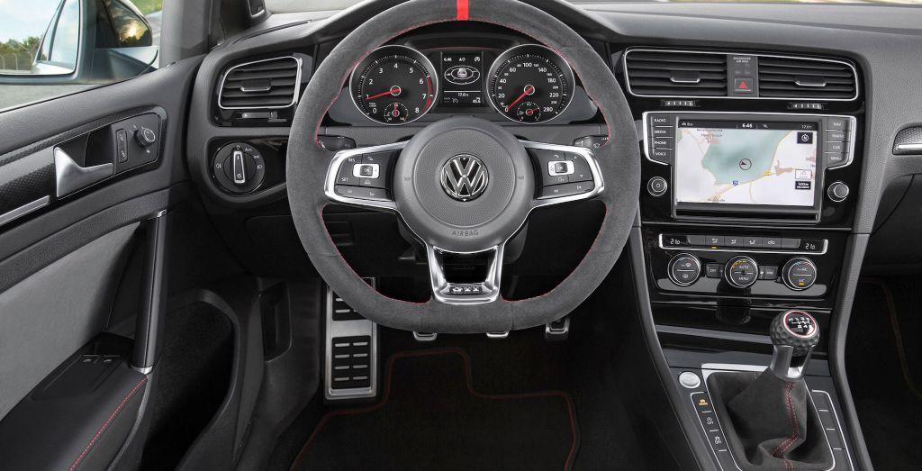 golf gti clubsport    manual transmission wheels