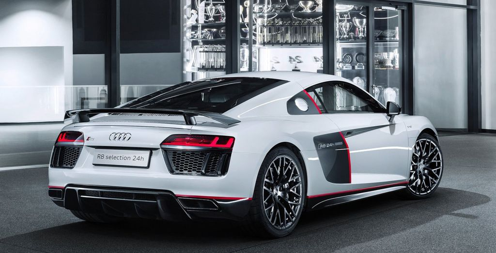 Amazing ... 2016 R8 V10 Plus Selection 24h