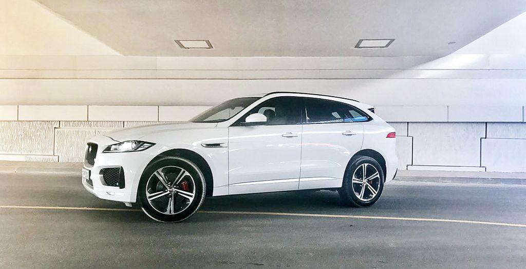 Jaguar downsizes the F-Type\'s base powertrain - Wheels