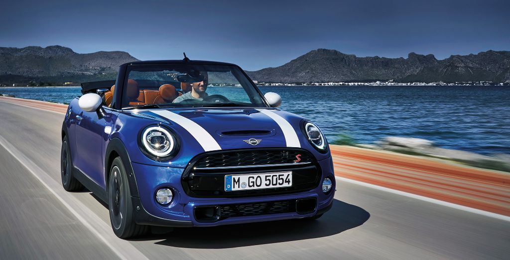 mini cooper s convertible review in top form wheels. Black Bedroom Furniture Sets. Home Design Ideas