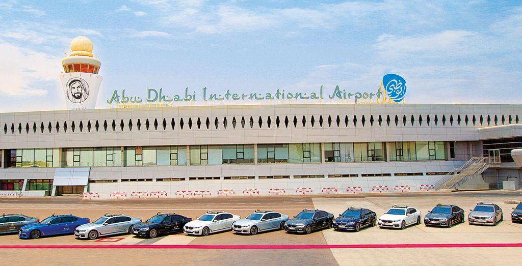 Bmw 7 Series Luxury Car Fleet At Abu Dhabi Airport Expanded Wheels